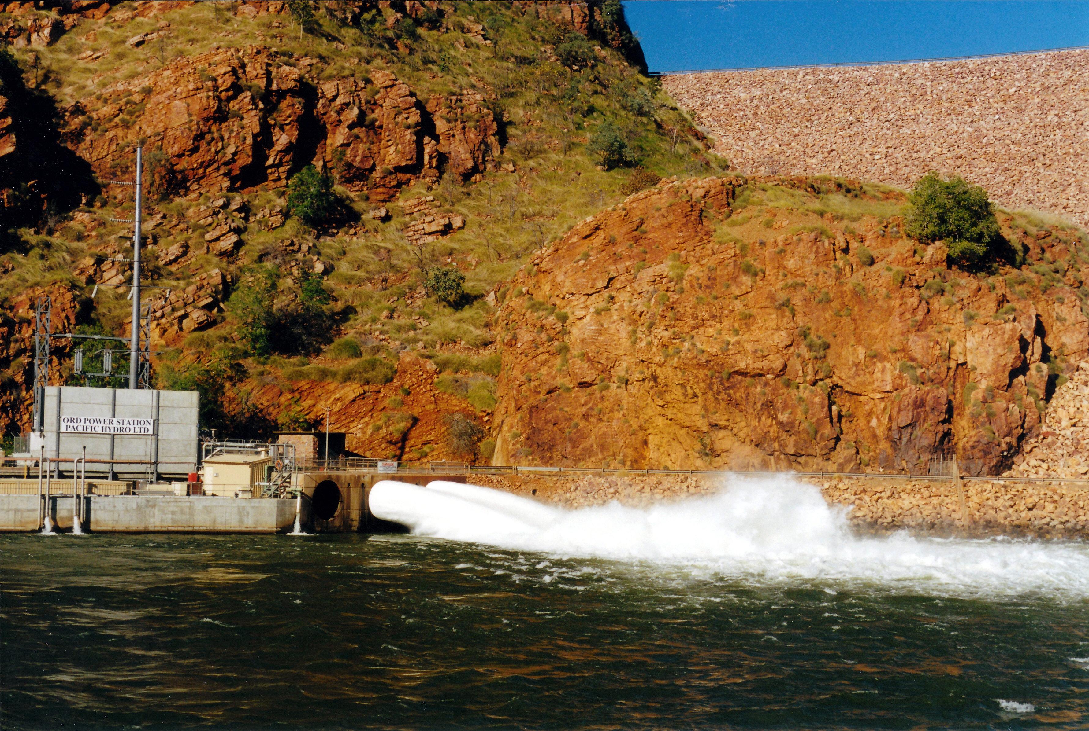 06-27-2000 04 Lake Argyle hydro plant.jpg