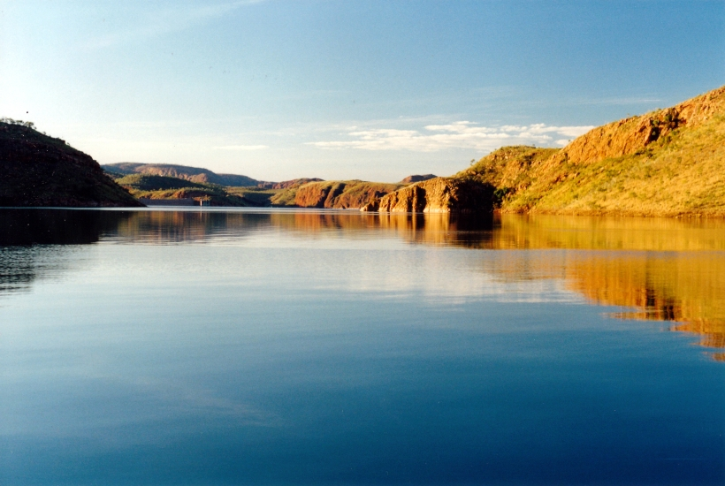 06-28-2000 04 late pm reflections on Lake Argyle.jpg