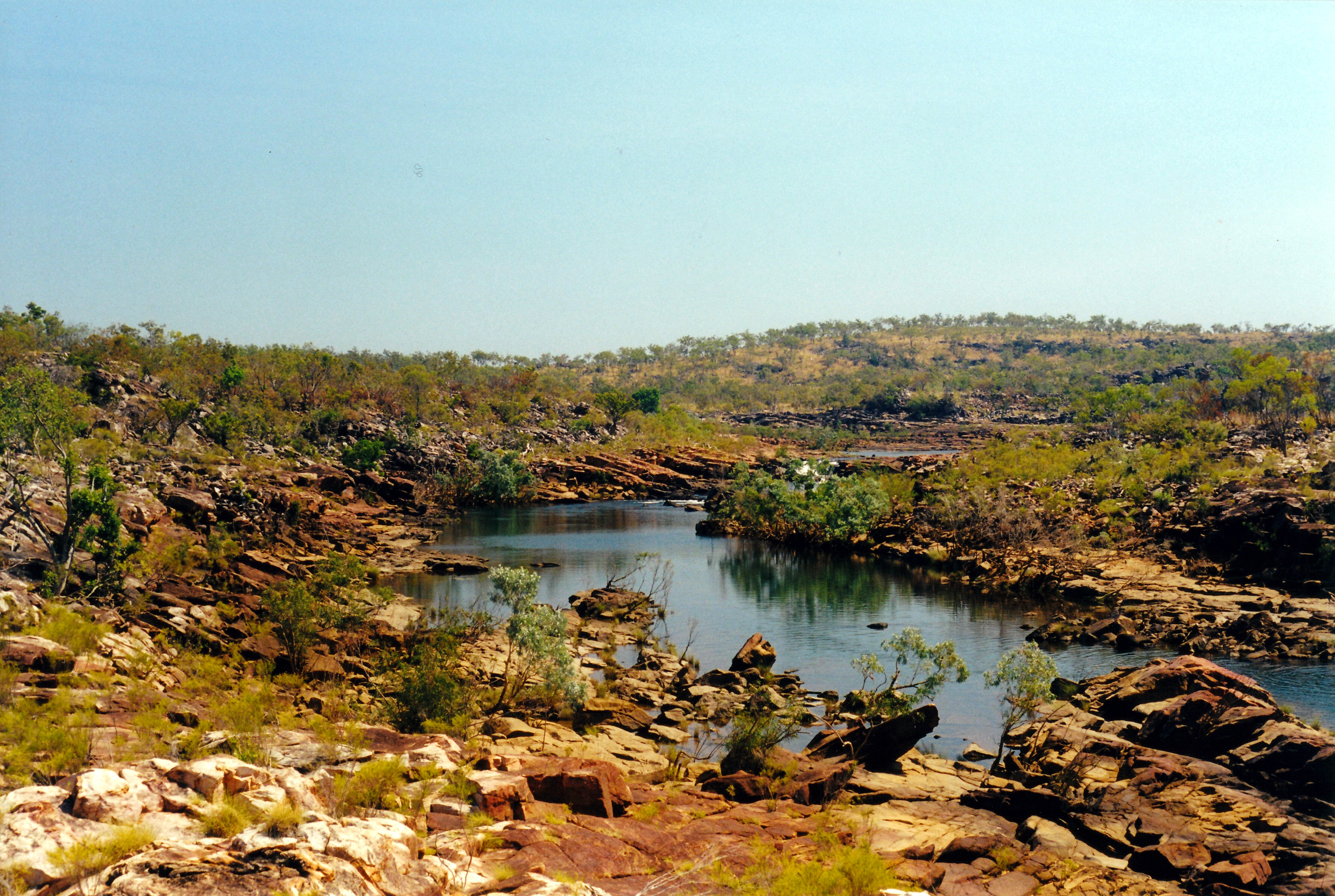 08-06-2000 13 approach to mitchell falls.jpg