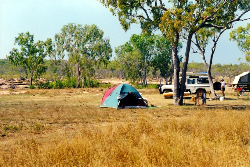 08-08-2000 01 camp king edward river.jpg