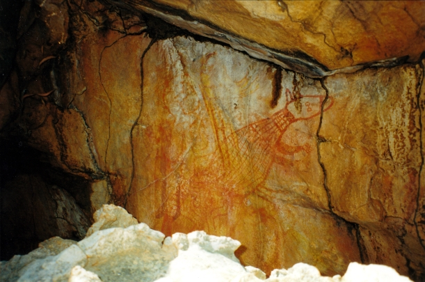 08-08-2000 09  animal rock art King Edward River.jpg