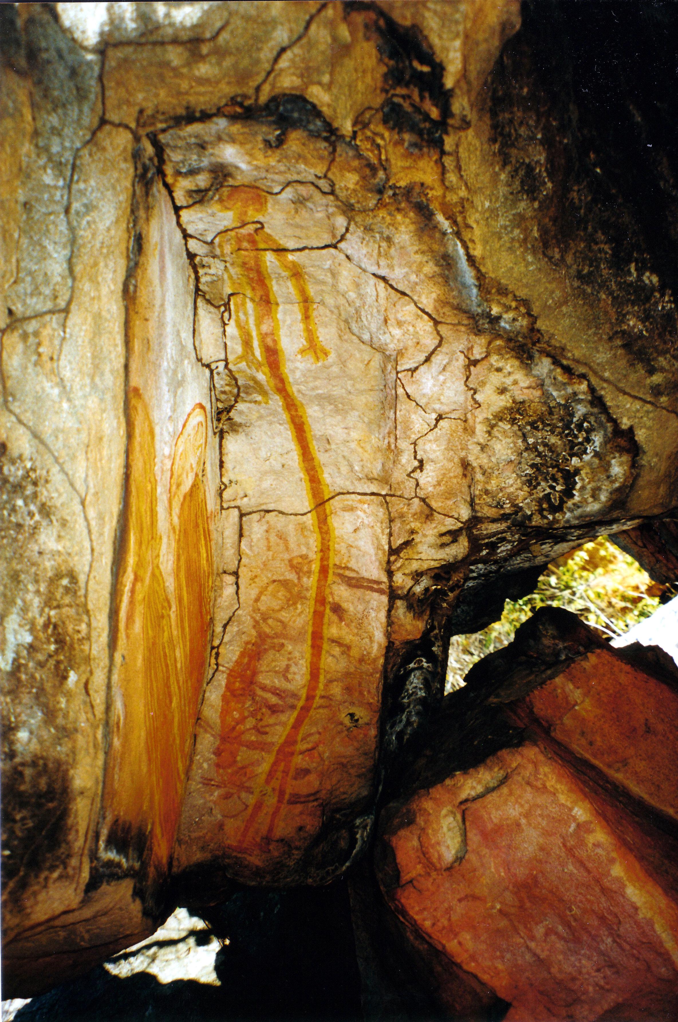 08-08-2000 10 skinny figure rock art King Edward River