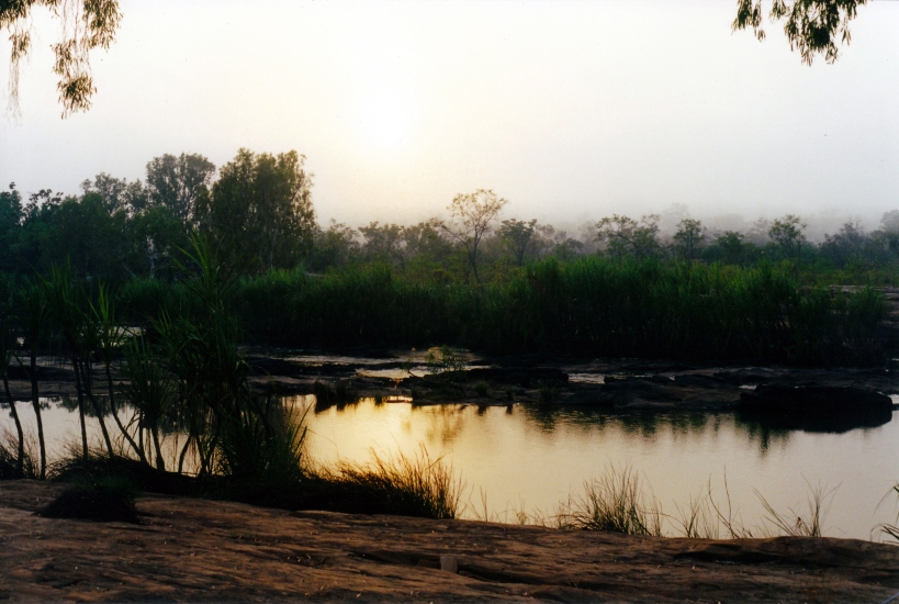 08-10-2000 01 King Edward River morning mist.jpg