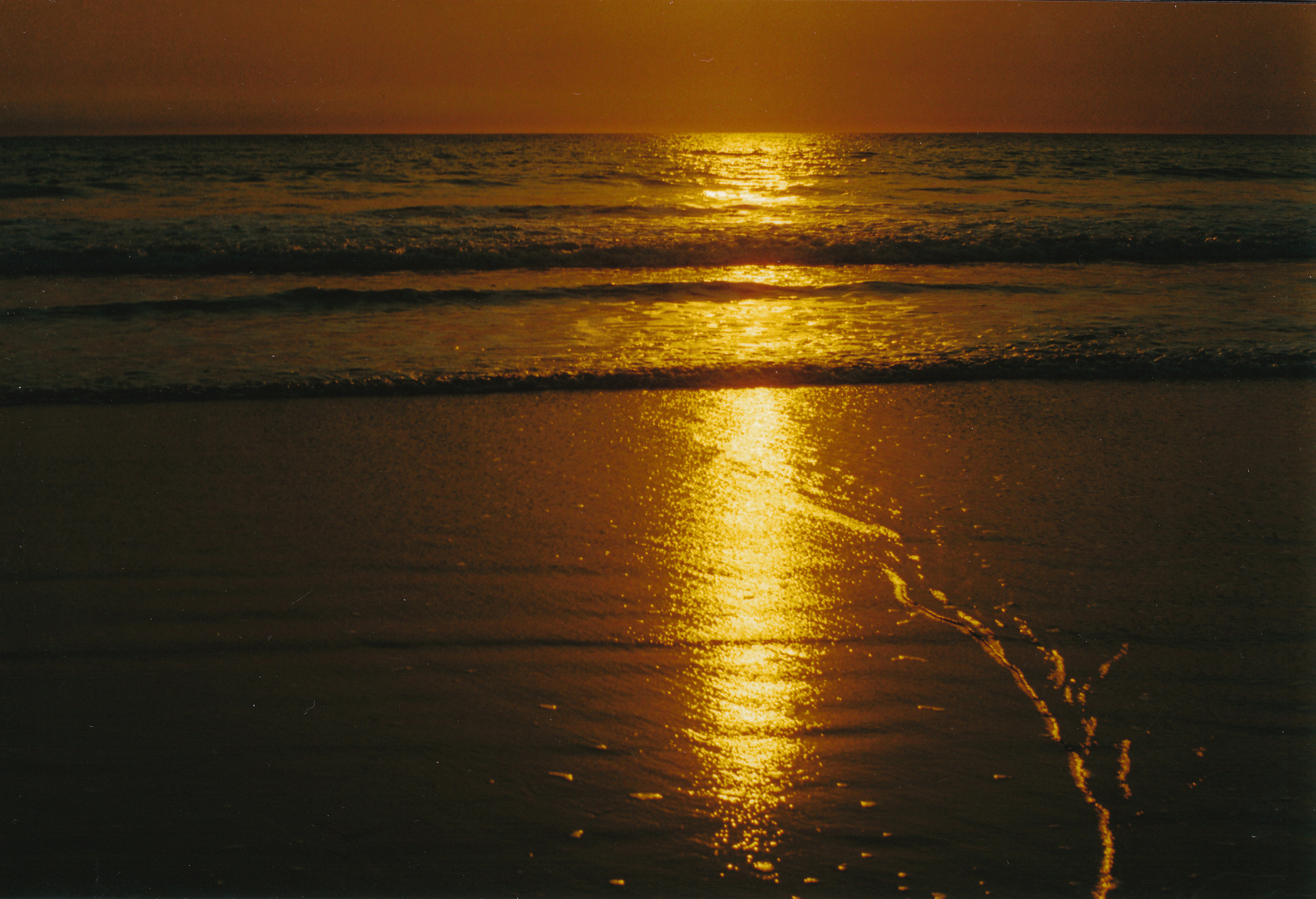 08-27-2000 sunset cable beach with ripple.jpg