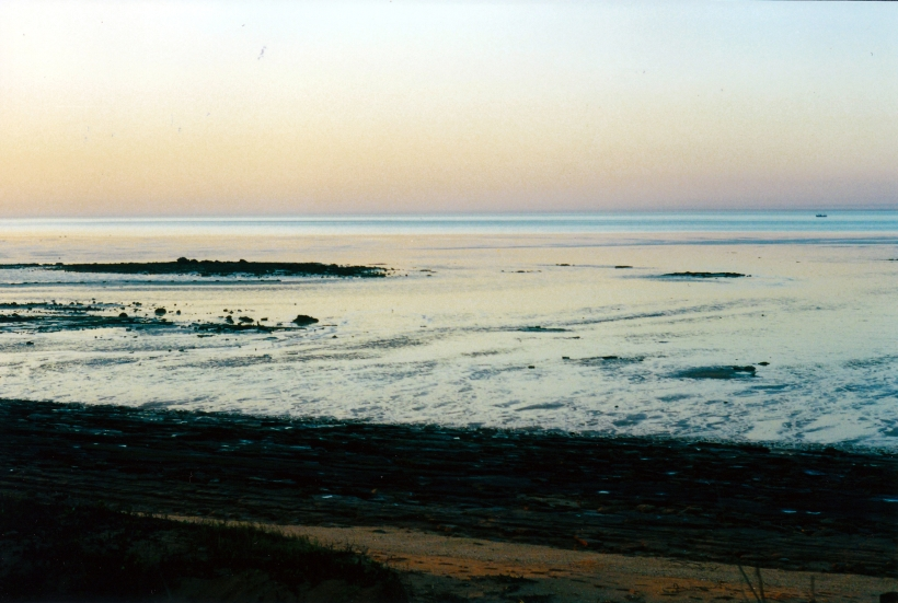 08-30-2000 sunset roebuck bay.jpg