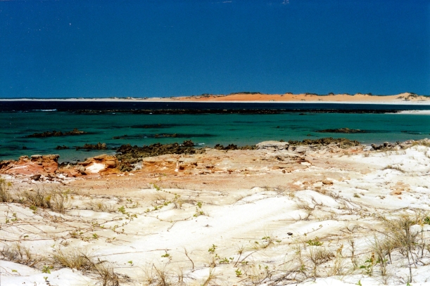 09-06-2000 06 bay at Cape Leveque