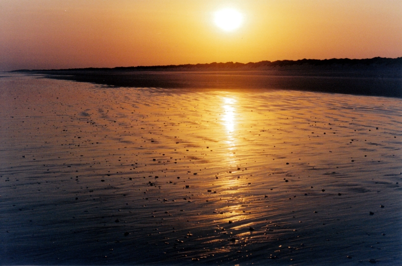 09-11-2000 sunrise 80 mile beach.jpg