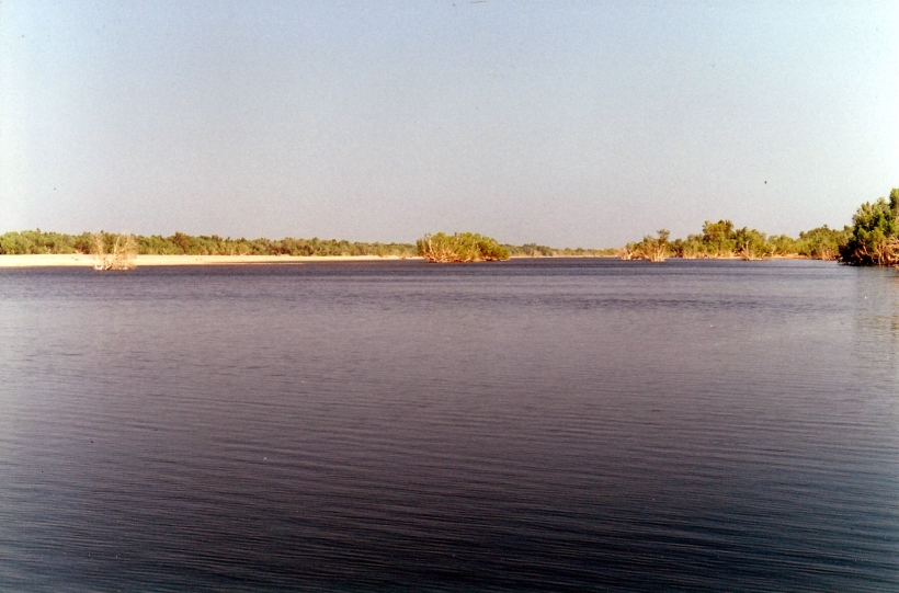 09-12-2000 de grey river from free camp area.jpg