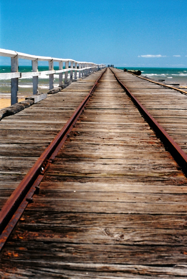 11-02-2000 Carnarvon jetty and railway.jpg
