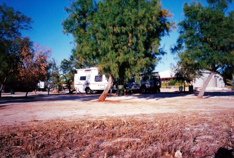 11-09-2000 09 hamelin camp.jpg