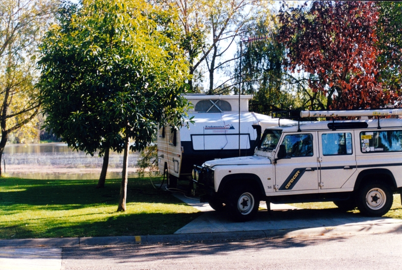 04-27-2001 shepparton caravan park.jpg