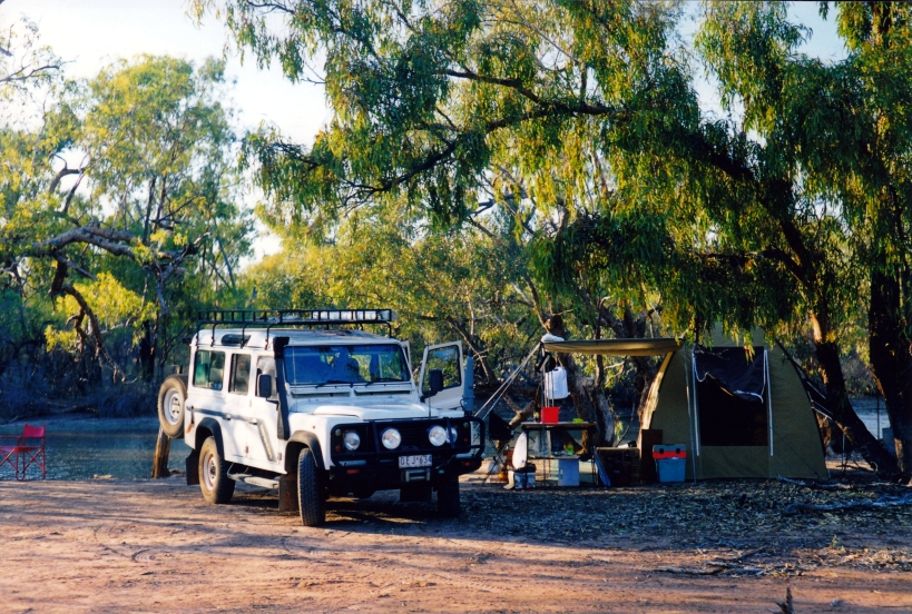 09-24-2001 paroo r camp currawinya np new tent.jpg