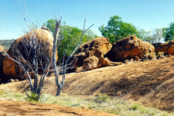 09-25-2001 at the Granites currawinya NP