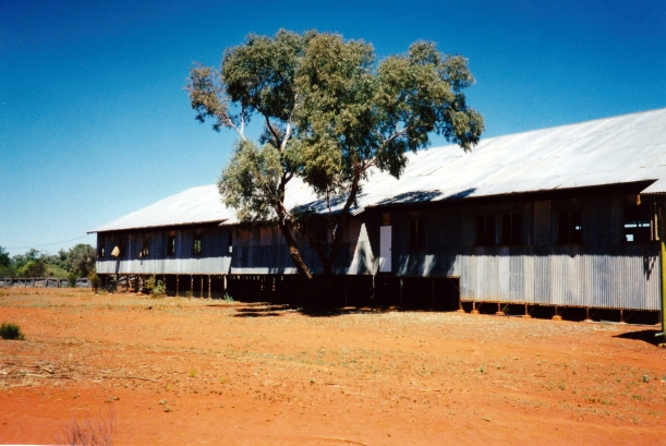 09-25-2001 currawinya shearing shed.jpg