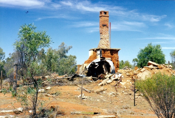 09-26-2001 ruins.jpg