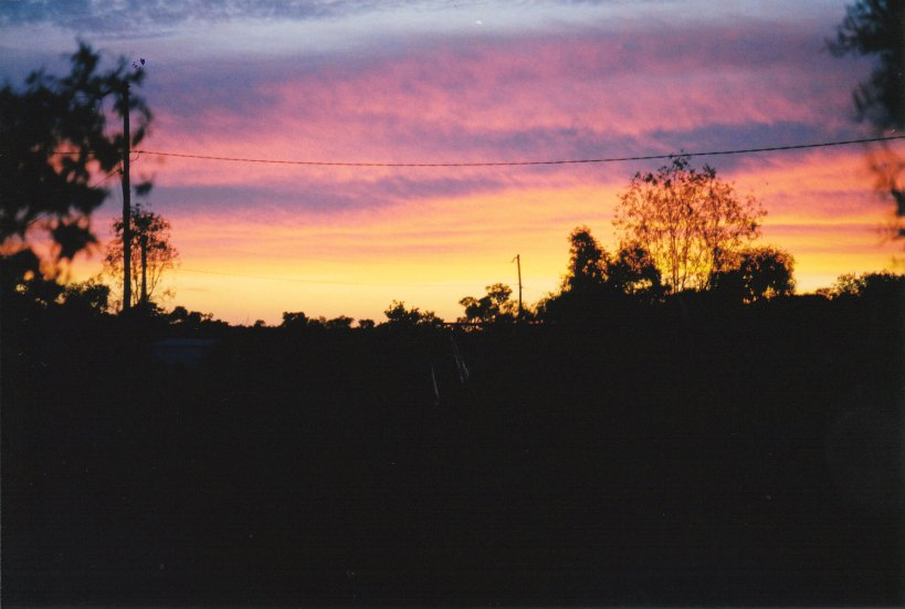 09-30-2001 yowah sunset 2.jpg