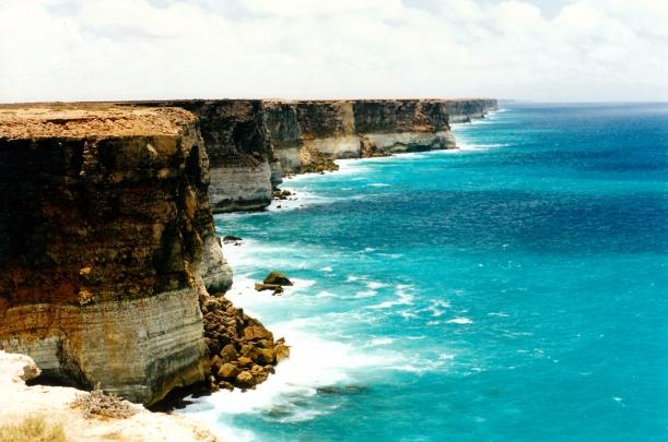 11-30-2000 08 nullarbor cliffs.jpg