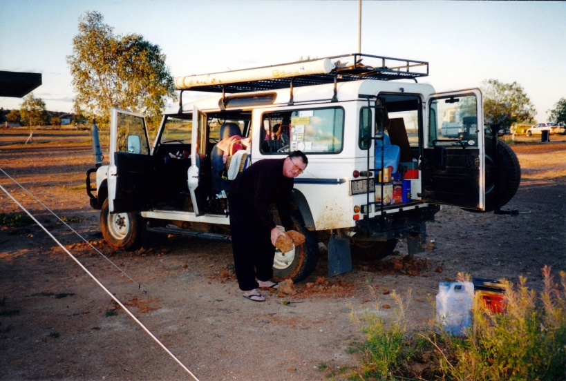 10-03-2001 white cliffs camp.jpg