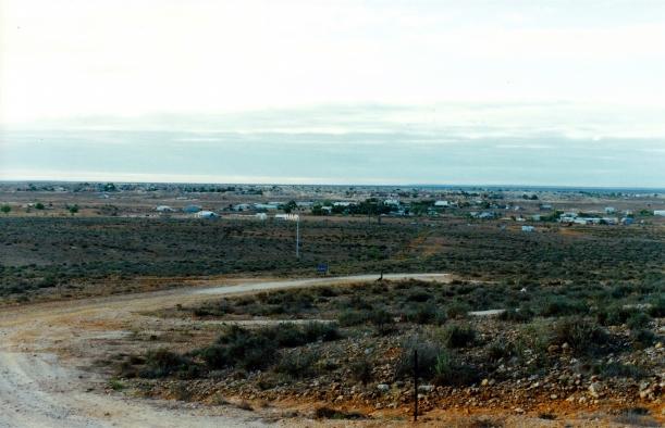 10-03-2001 white cliffs town and solar rig.jpg