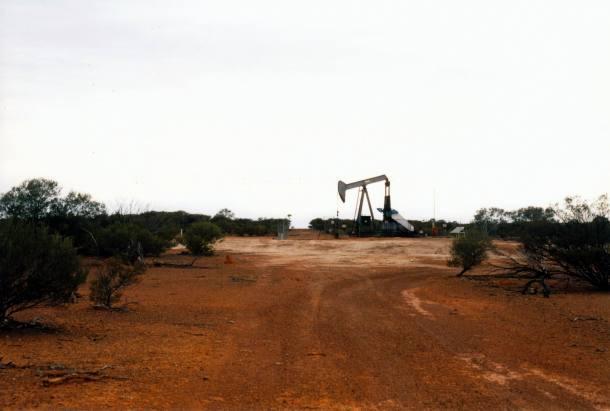 Resize of 05-23-2002 oil rig pinkilla tk.jpg