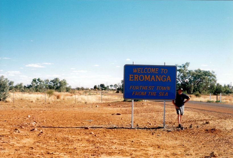 Resize of 05-26-2002 eromanga sign.jpg