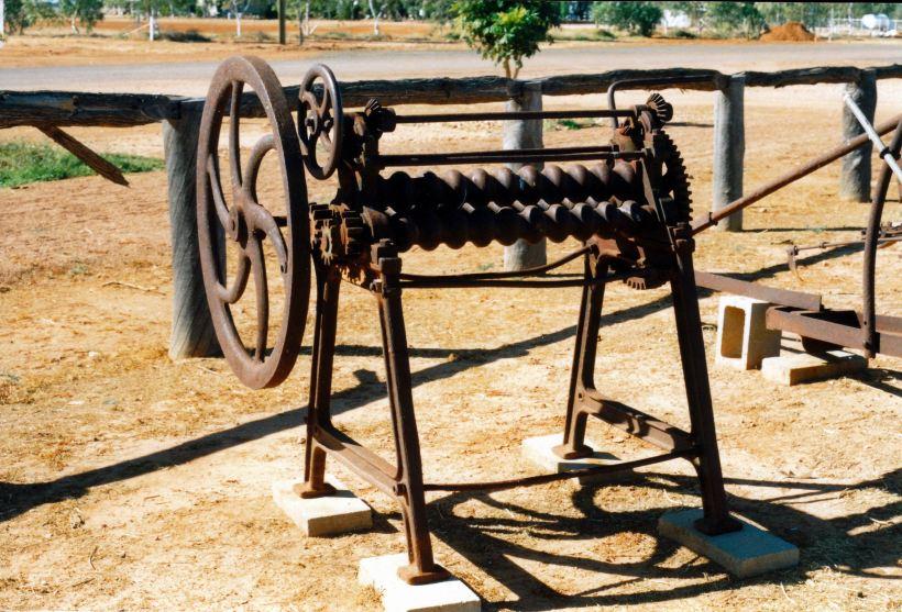 Resize of 05-26-2002 makes corrugated iron.jpg