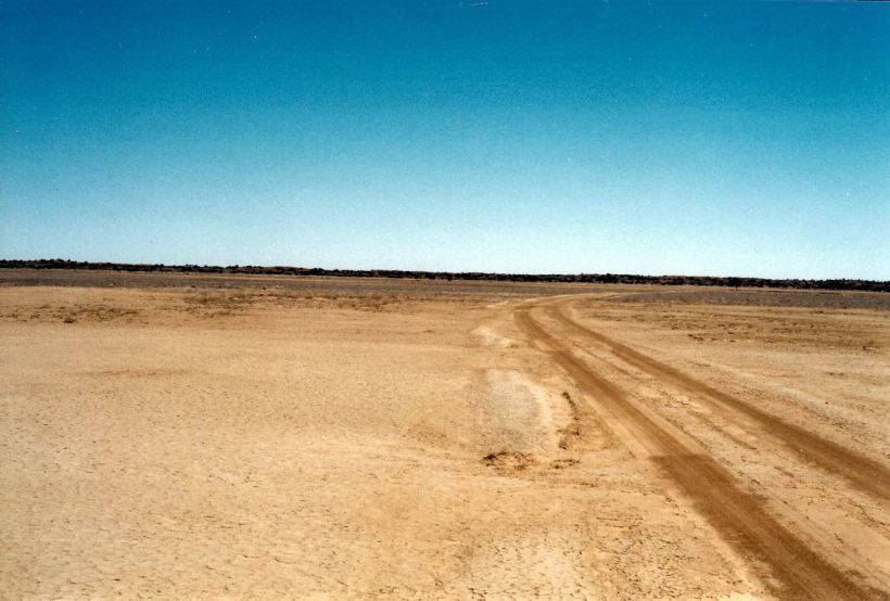 Resize of 05-31-2002 01 red sand country on circuit drive.jpg