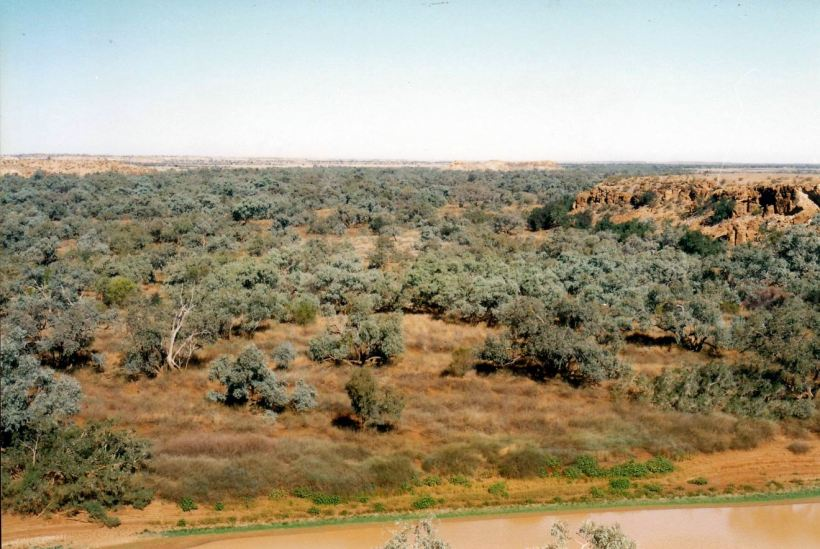 Resize of 06-01-2002 09 view towards ranger station from scarp.jpg