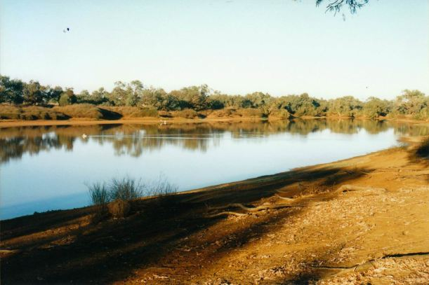 Resize of 06-02-2002 waterhole end