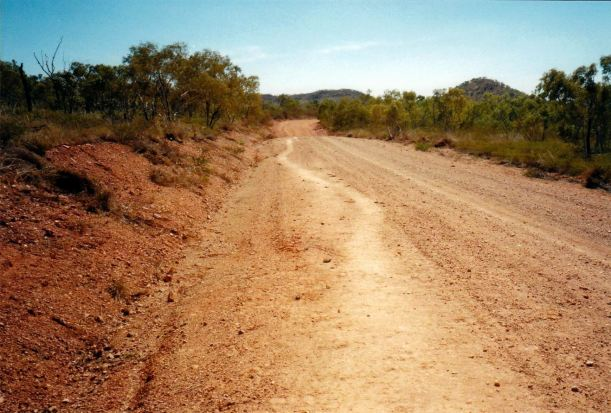 Resize of 06-09-2002 01 cattle pad on Lake Julius road.jpg