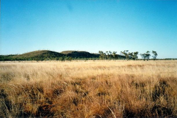 Resize of 07-26-2002 02 Constance Range on Lawn Hill Station.jpg