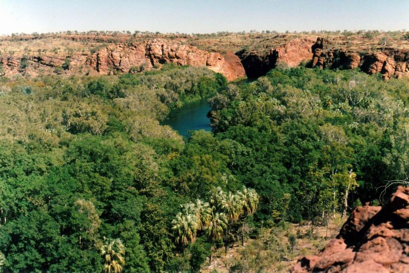 Resize of 07-31-2002 03 Middle Gorge from Island Stack