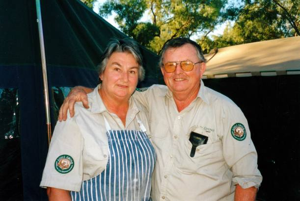 Resize of 07-29-2002 05 cook and odd job man Adels.jpg