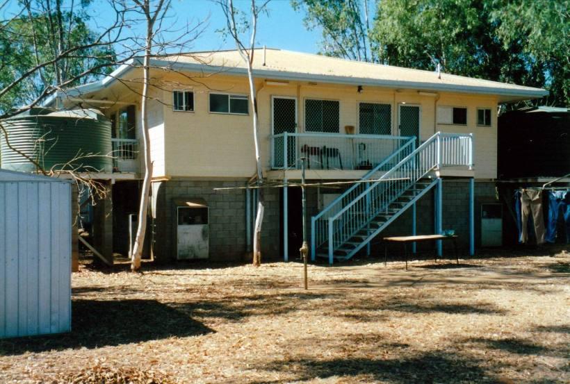 Resize of 08-11-2002 back of house.jpg