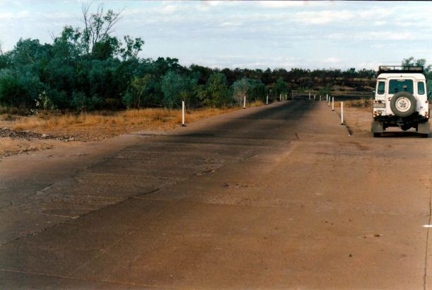 Resize of 08-18-2002 04  approach to Nicholson ford Doomadgee.jpg