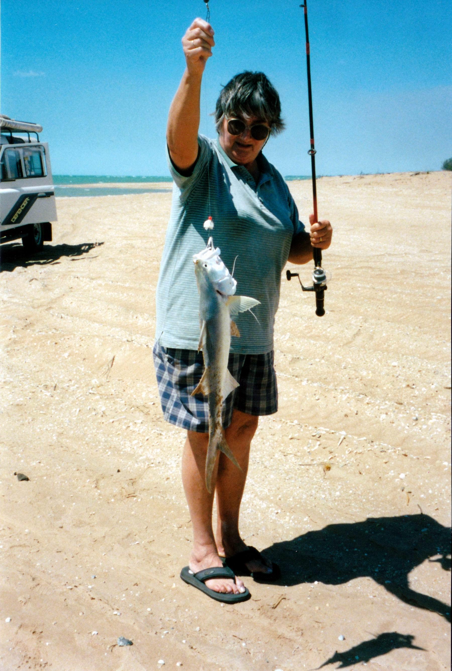 Resize of 08-24-2002 07 threadfin salmon.jpg