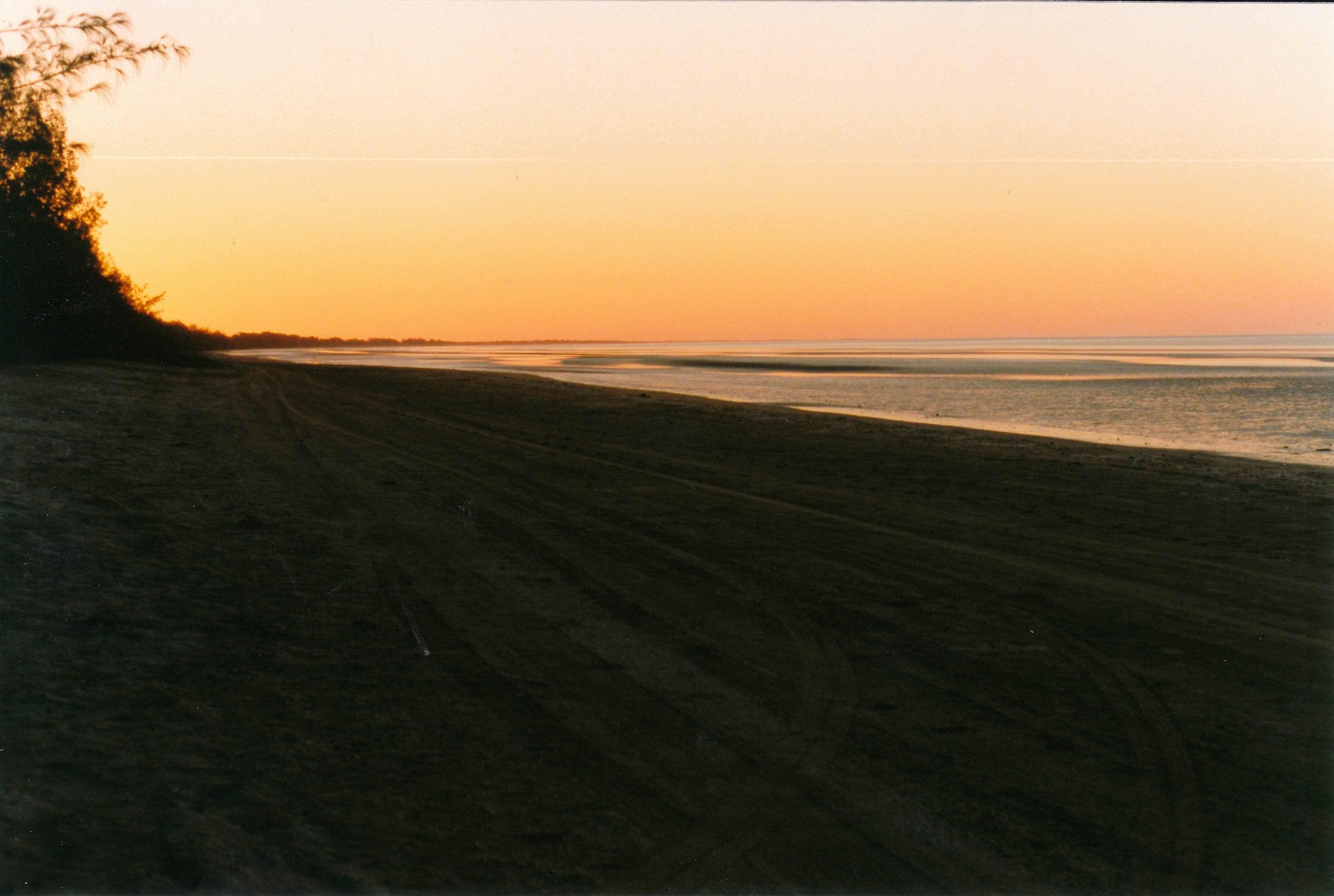 Resize of 08-24-2002 20 Wollogorang beach sunset