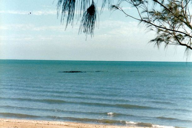 Resize of 08-24-2002 sea at wollogorang