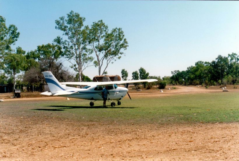Resize of 09-08-2002 04 Escott we are going flying