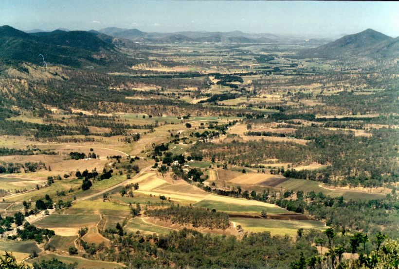 Resize of 11-04-2002 Pioneer Valley from Eungella LO.jpg