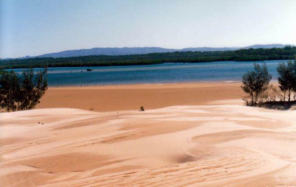 Resize of 12-11-2002 07 sandhill area near Bustard Head