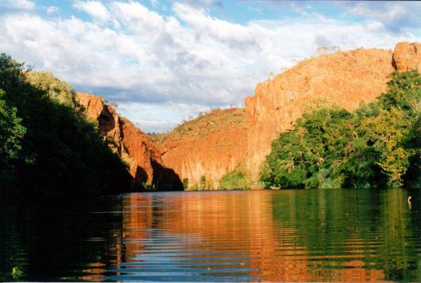 Resize of 08-15-2003 02 canoeing towards middle gorge.jpg