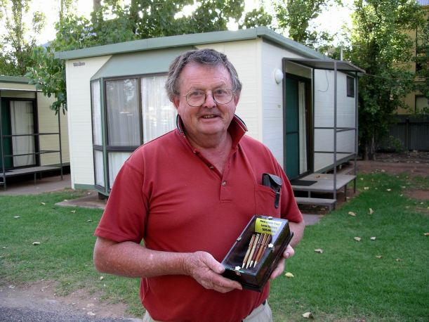 Resize of 03-28-2004 John with pens at Mildura.jpg