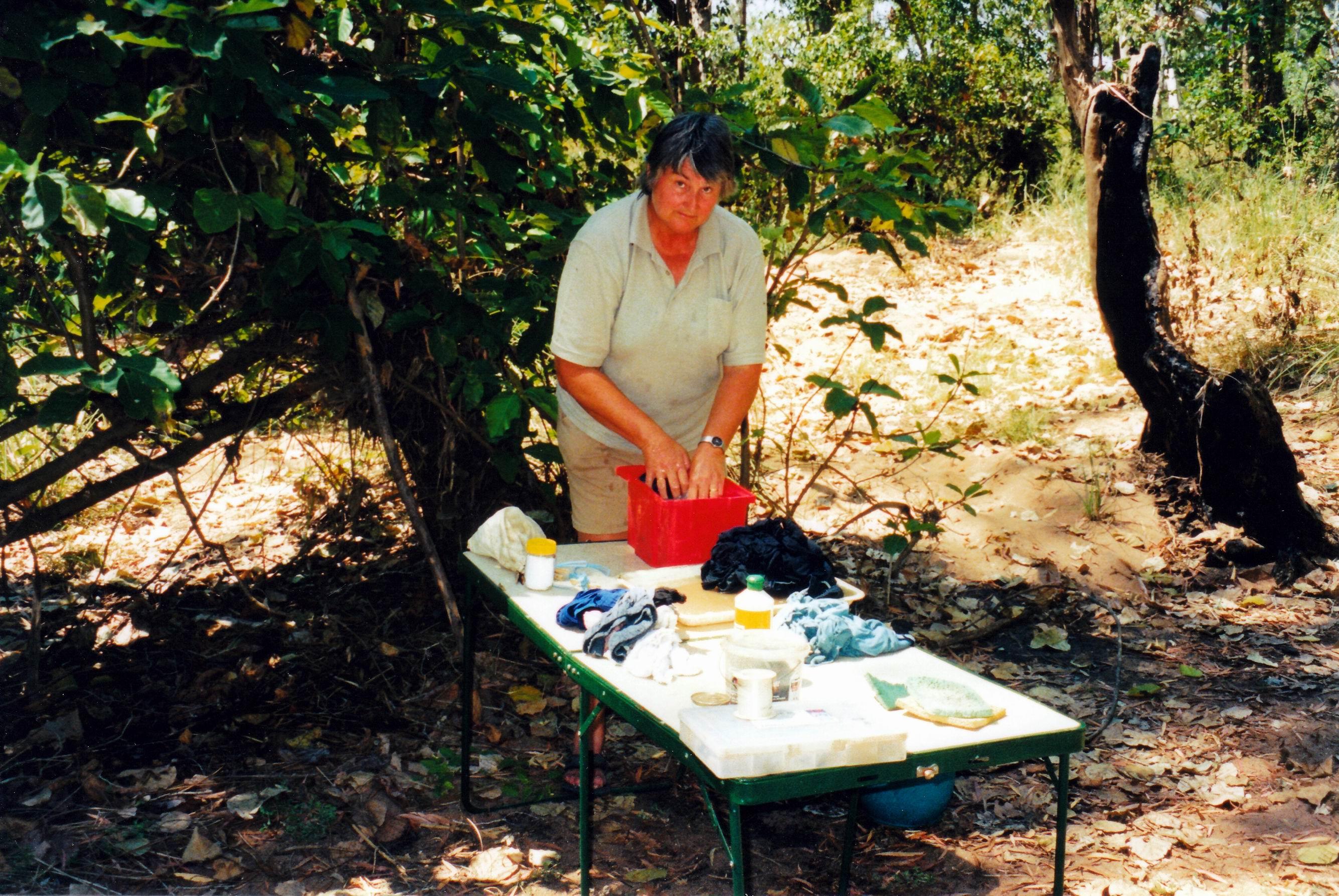 Resize of 09-18-2003 04 washing.jpg