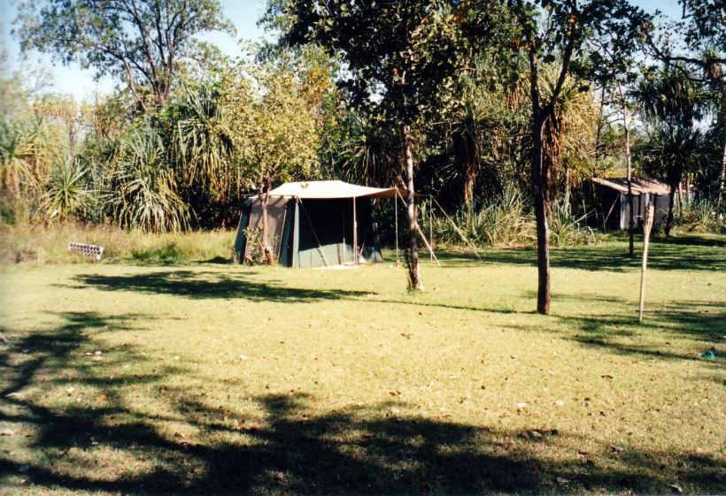 Resize of 09-19-2003 01 safari camp tent.jpg