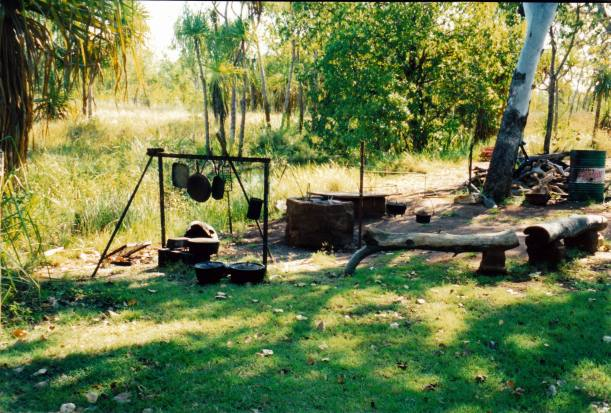 Resize of 09-19-2003 04 safari camp cooking area.jpg