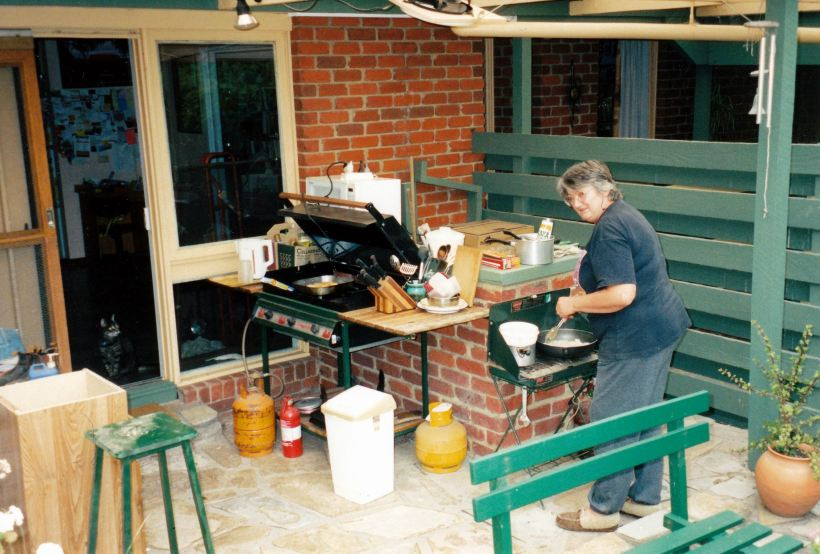 resize of 1-12-2004 makeshift kitchen