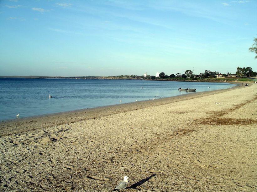 Resize of 04-02-2004 Streaky Bay Beach.jpg