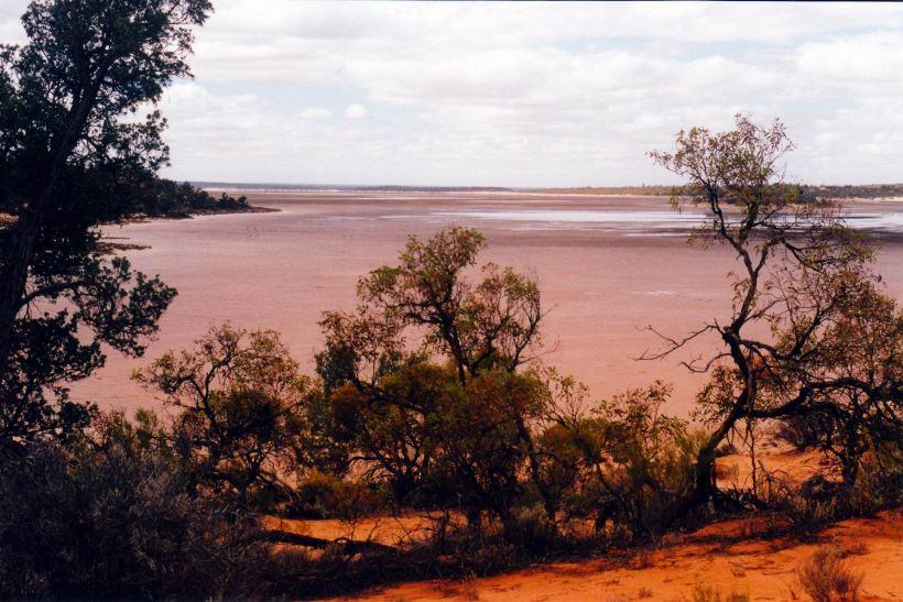 Resize of 04-16-2004 05 Googs Lake 1