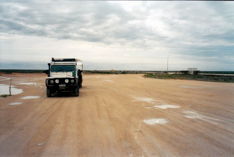 Resize of 04-22-2004 01 on the wet Nullarbor.jpg